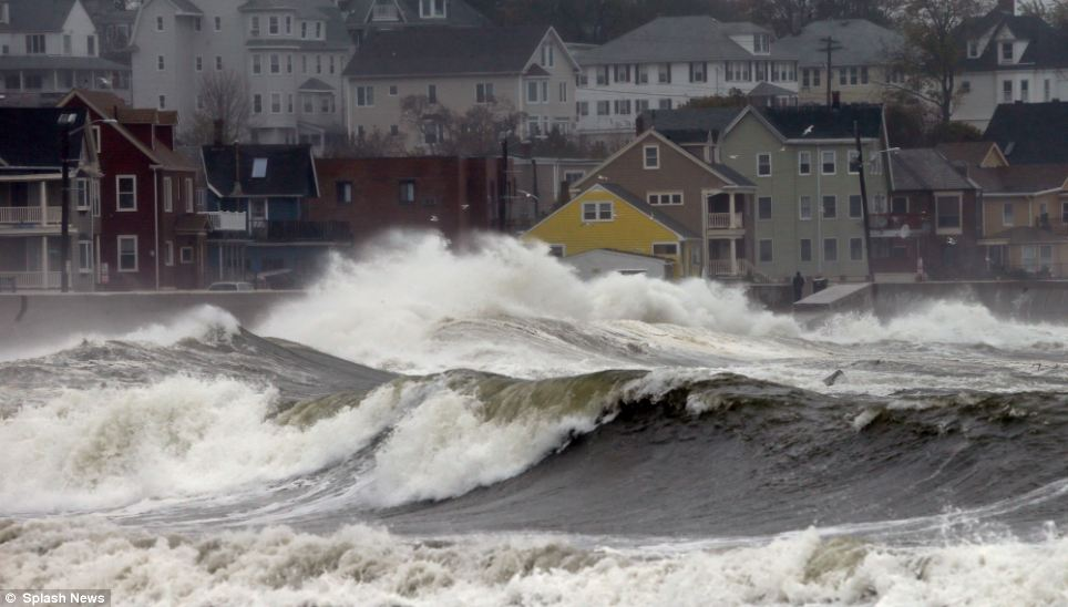 Hurricane Sandy comes on shore in New Jersey
